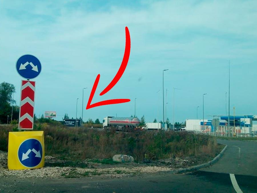 """Лавка """"Три Крестьянина"""" на 170 км трассы М5"""