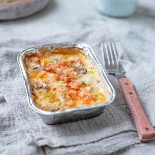 Форель филе под сливочно-грибным соусом с сыром